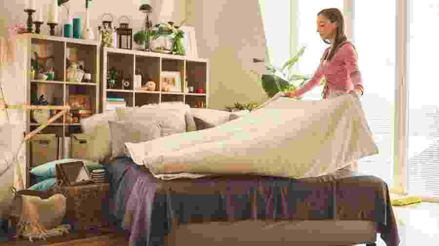 Arrumar o quarto não é só questão de organização. Aprenda a equilibrar energia do cômodo - fotostorm/Getty Images