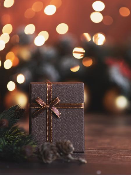 Leoninos gostam de dar presentes caros e librianos apostam em presentes práticos - Kseniya Ovchinnikova/Getty Images