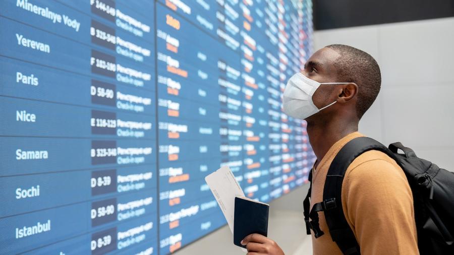 Além de teste, quem viaja para o Reino Unido atualmente precisa fazer quarentena - Getty Images