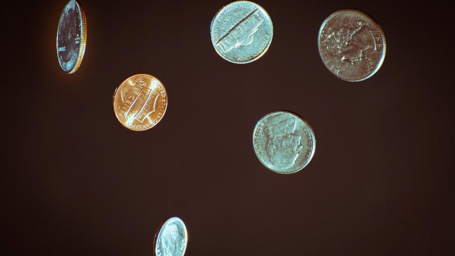 Dinheiro em junho: veja previsões - Chris Briggs