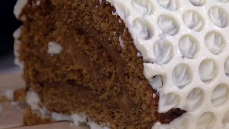 Rocambole de pão de mel feito por Ana Maria Braga - Reprodução/TV Globo