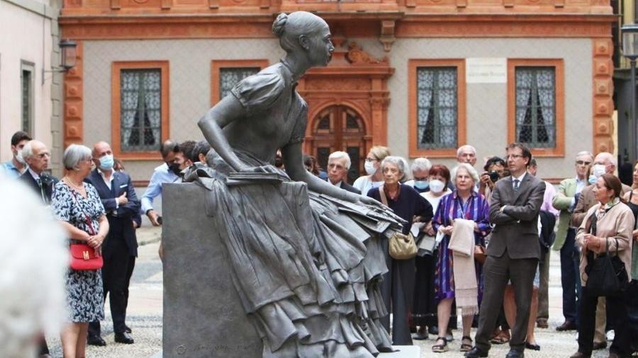 A obra foi comparada pelos milaneses às famosas bailarinas de Degas - Reprodução @cristinabelgiojoso.it