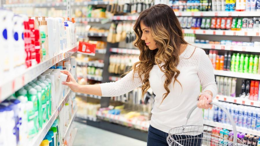 Rótulo pode revelar informações determinantes para a compra de um cosmético - Getty Images