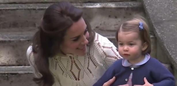 Kate Middeleton brinca com a Princesa Charlotte em festa no Canadá - BBC