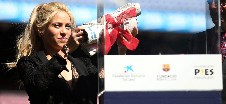 Shakira participa de evento beneficente no Camp Nou, estádio do Barcelona, time em que seu marido, Gerard Piqué atua - Albert Gea/Reuters