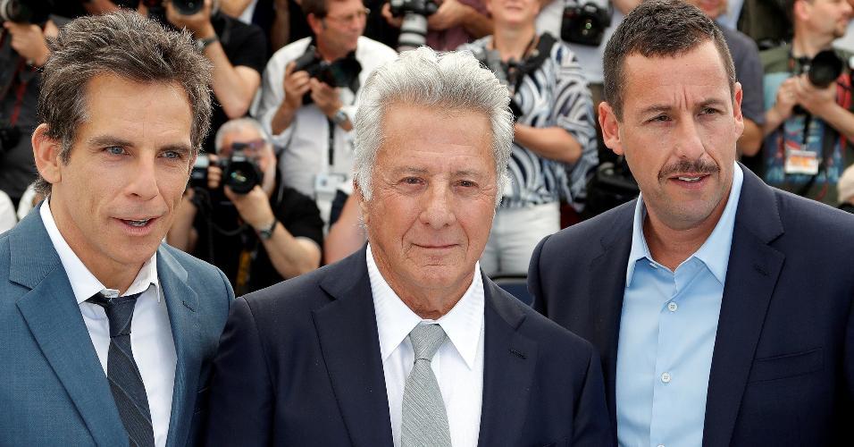 "Ben Stiller, Dustin Hoffman e Adam Sandler no tapete vermelho de ""The Meyerowitz Stories"", no Festival de Cannes"