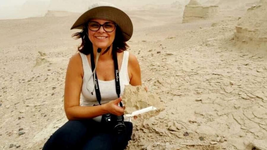 Taíssa Rodrigues faz parte de uma equipe de cientistas que descobriu primos dos dinossauros na China - Arquivo Pessoal