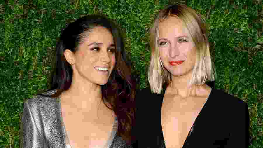 Meghan Markle e Misha Nonoo no Vogue Fashion Fund Awards, em 2015 - Getty Images