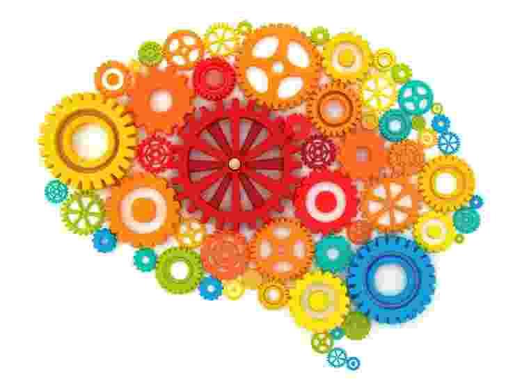 Cérebro, máquina, engrenagens - iStock - iStock