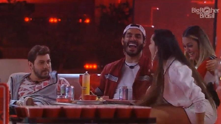 BBB 21: Juliette se surpreende ao saber que Thiaguinho está solteiro - Reprodução/Globoplay