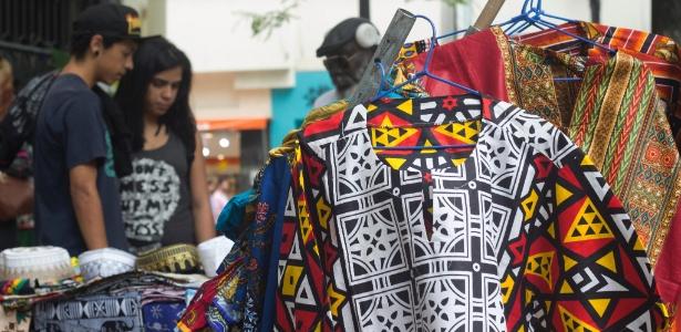 2e98cfd26a Moda afro  no centro de SP ou na internet