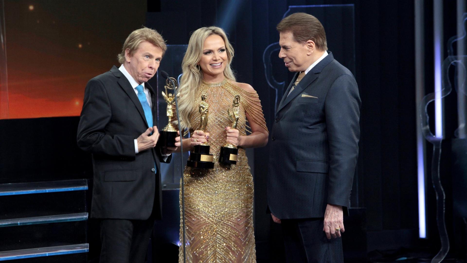 Eliana recebe três estatuetas no Troféu Imprensa e diz que o momento é histórico em sua carreira