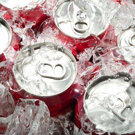 Consumo diário de refrigerante está relacionado a diversos problemas de saúde - iStock