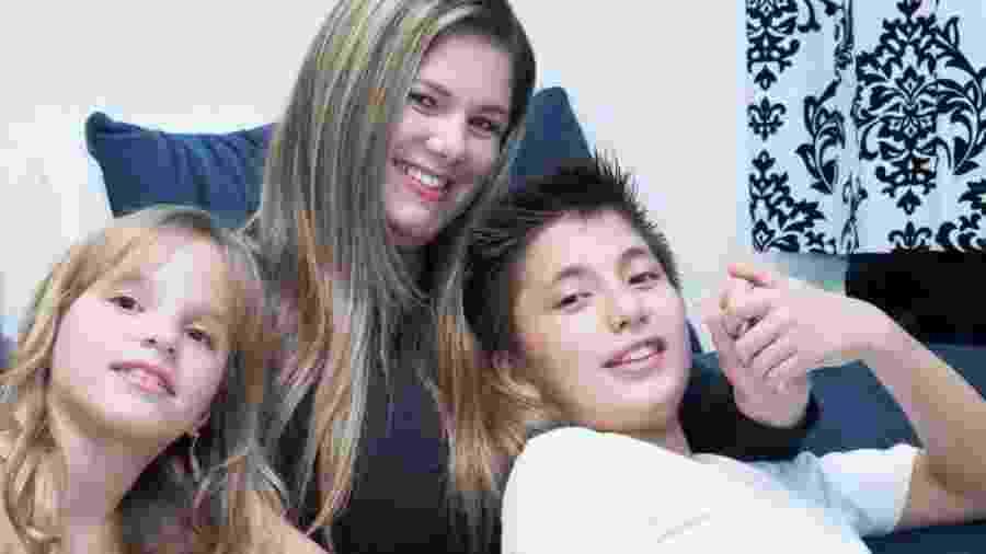 Ex-sexy simbol, Viviane Brunieri mora há dois anos no Japão com os dois filhos  - Arquivo pessoal