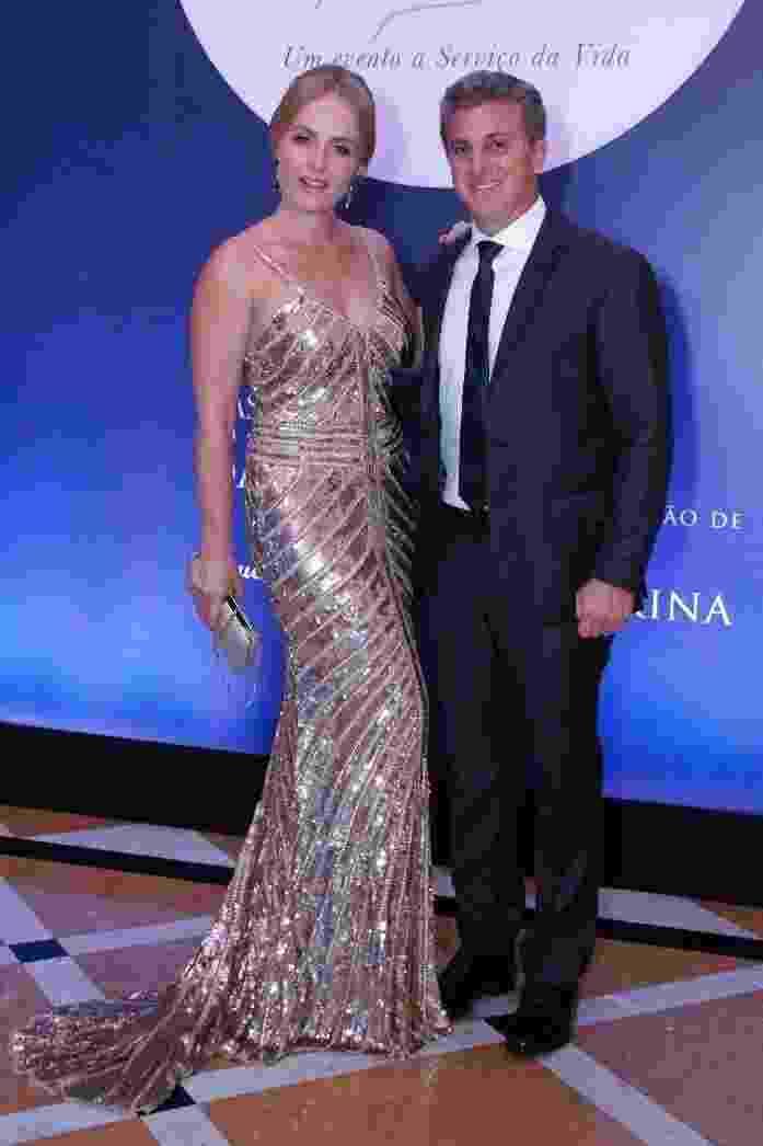 Angélica e Luciano Huck prestigiam  jantar beneficente no Copacabana Palace, que aconteceu na terça-feira (18) à noite - Wallace Barbosa/AgNews
