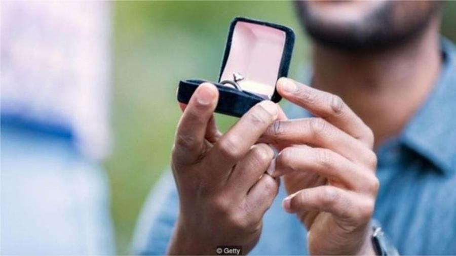 Data preferida pelas mulheres para serem pedidas em casamento é o Dia dos Namorados - Getty Images