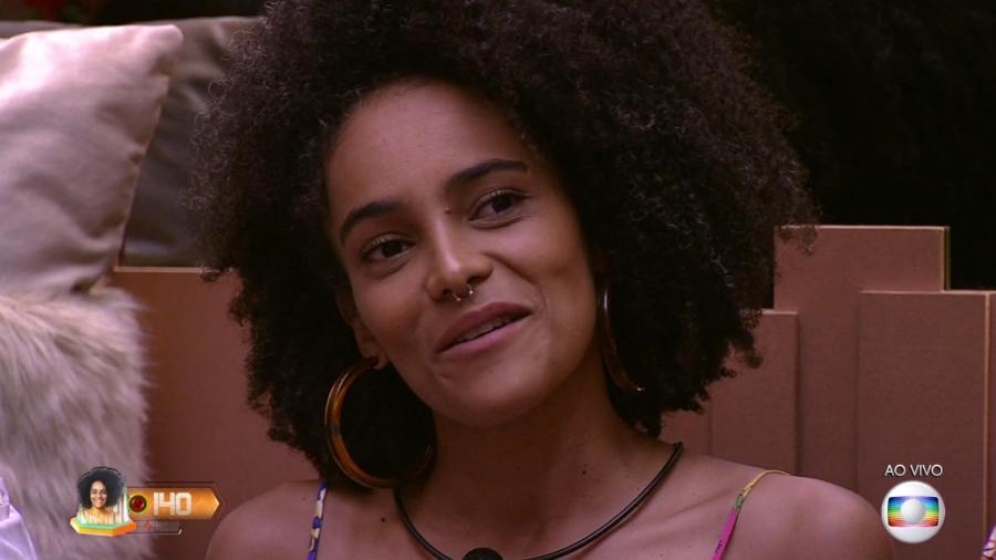 Gabriela ouve Tiago Leifert anunciar resultado do paredão falso de Carnaval - Reprodução/TvGlobo