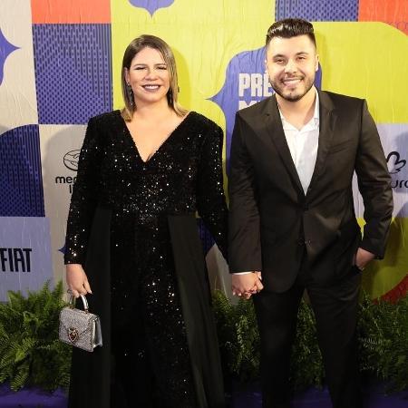 Grávida de seis meses, Marília Mendonça surge com o namorado, o também cantor Murilo Huff - Divulgação