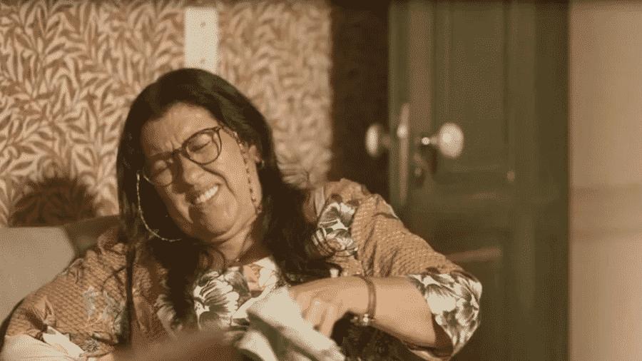 """Lurdes passa mal em """"Amor de Mãe"""" - Reprodução/Globo"""