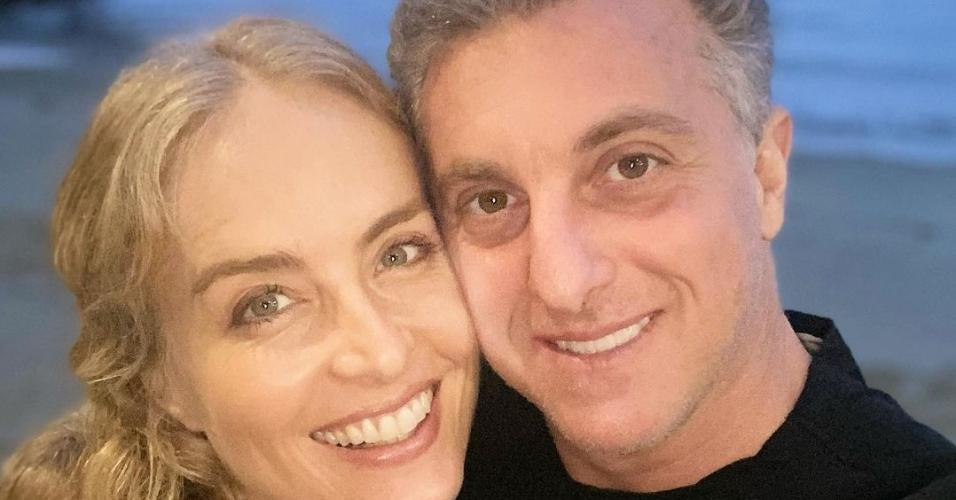 Luciano celebra aniversário da esposa, Angélica