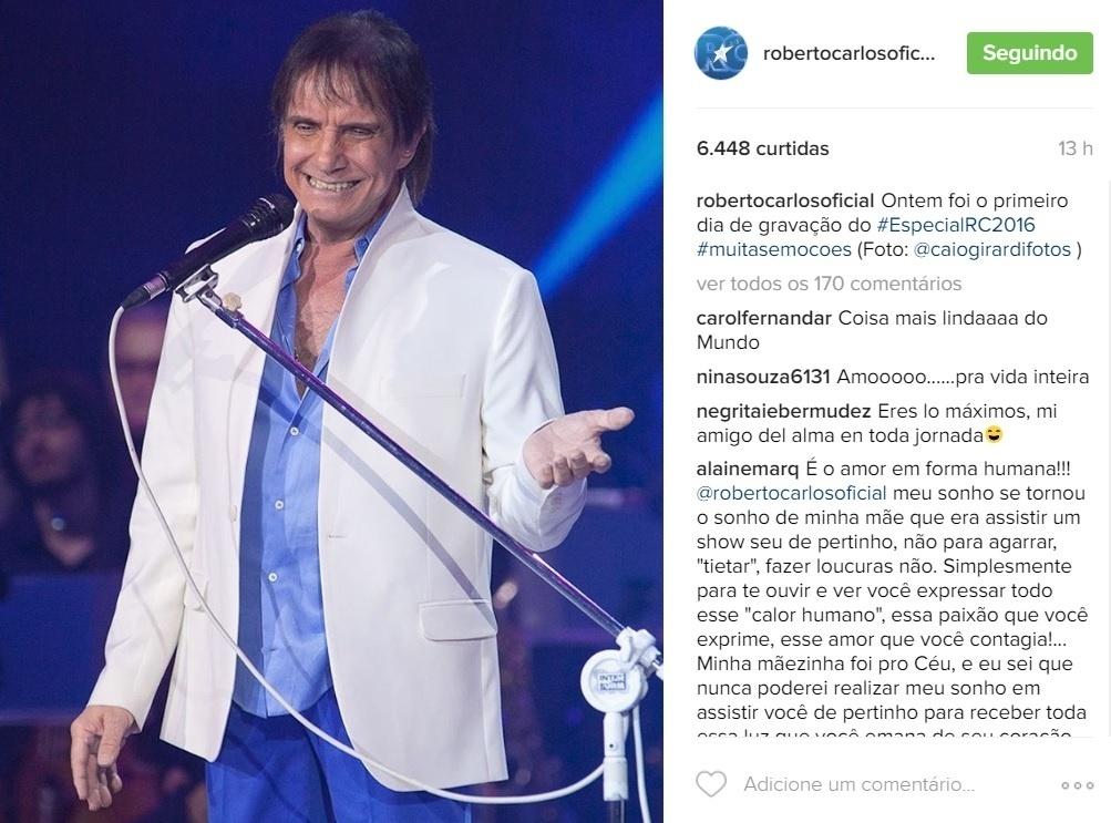 8.nov.2016 - Roberto Carlos canta no especial da Globo