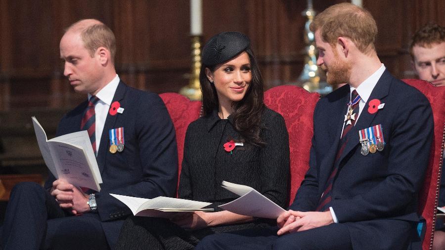 Príncipe William, Meghan Markle e príncipe Harry no memorial do Anzac Day na Abadia de Westminster - Getty Images
