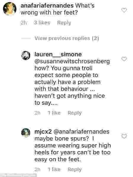 Seguidores criticam os pés de Elle Macpherson em post - Reprodução/Instagram - Reprodução/Instagram