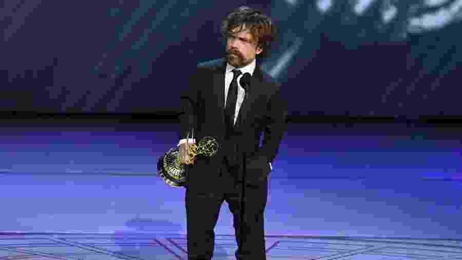 """Peter Dinklage recebe Emmy por seu papel em """"Game of Thrones"""" - Kevin Winter/Getty Images/AFP"""