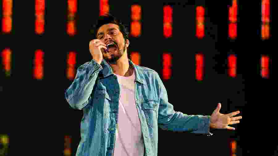 Luan Santana durante apresentação no segundo dia do Festival Virada Salvador 2019 - João Alvarez/UOL