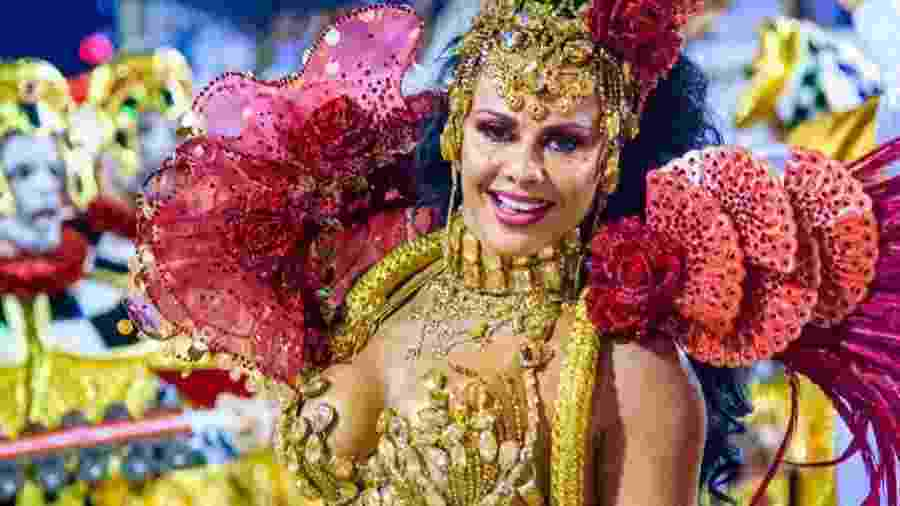Viviane Araújo no desfile com o Salgueiro - Reprodução/Instagram
