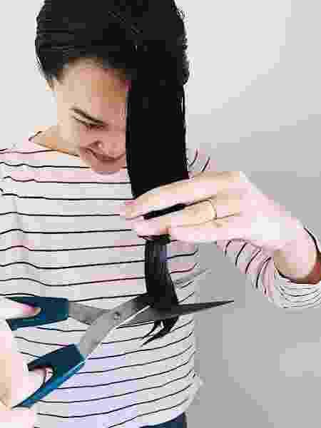 Vá com calma porque cabelo molhado estica - Aline Takashima/UOL - Aline Takashima/UOL