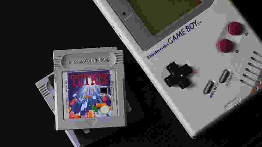 """Game Boy foi lançado em 1989 e até hoje pode ver sua influência nos games - Hello I""""m Nik/Unsplash"""