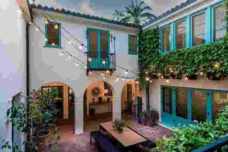 Visão externa da mansão de Leonardo DiCaprio - LA Light Photo - LA Light Photo