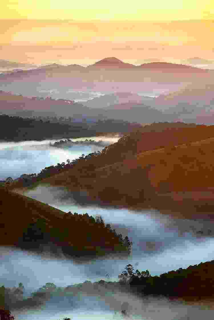 Vista da Morada Alto da Montanha Cascavel durante o nascer do sol  - Emiliano Capozoli - Emiliano Capozoli