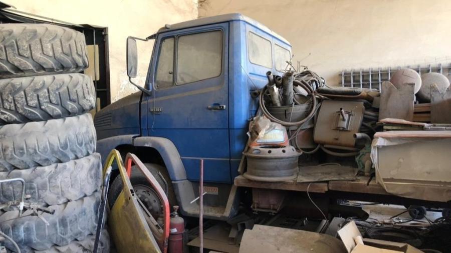 Caminhão Mercedes-Benz adquirido zero-quilômetro em 1990 ficou guardado por mais de 30 anos em depósito de Osasco (SP) - Arquivo pessoal