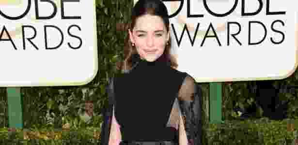 10.jan.2016 - Atriz Emilia Clarke chega ao Globo de Ouro 2016, em Los Angeles (Estados Unidos) - AFP - AFP