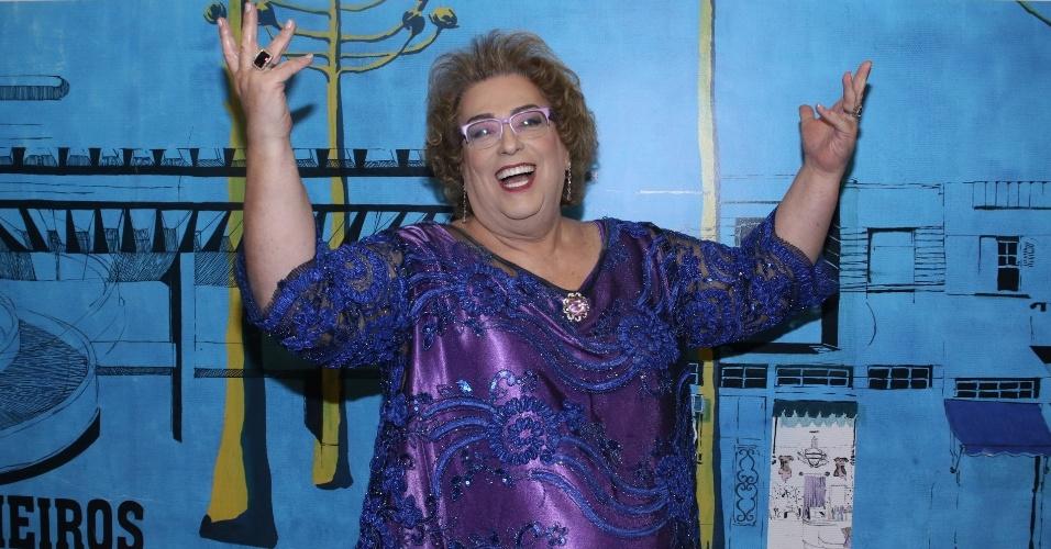"""15.mar.2014 - Mama Bruschetta participa do prêmio APCA representando o programa """"Mulheres"""", que recebeu menção honrosa na categoria Televisão por estar a 35 anos no ar"""