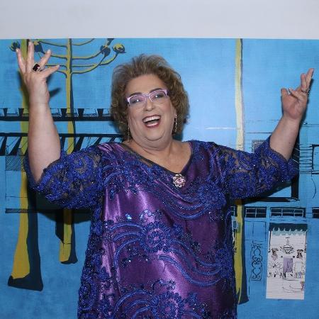 """15.mar.2014 - Mama Bruschetta participa do prêmio APCA representando o programa """"Mulheres"""", que recebeu menção honrosa na categoria Televisão por estar a 35 anos no ar - Thiago Duran/AgNews"""