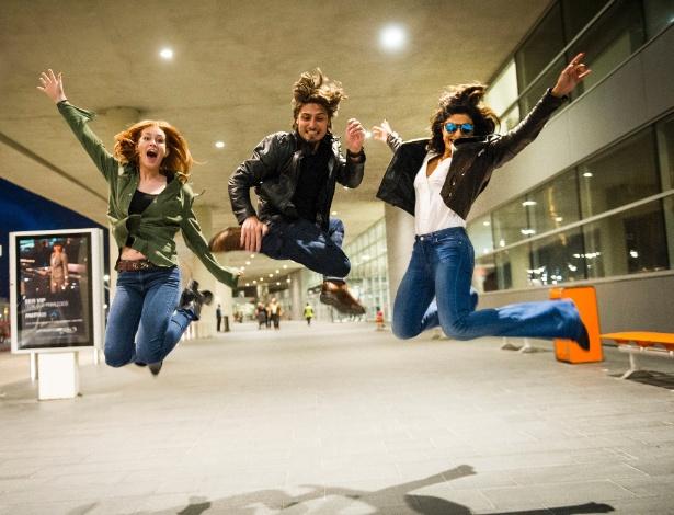 Marina Ruy Barbosa, Daniel Rocha e Juliana Paes gravam no Aeroporto de Montevidéu, no Uruguai - João Miguel Junior/Divulgação