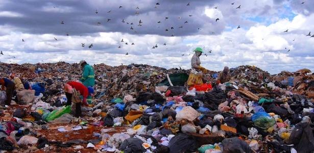 Vídeos mostram a realidade de milhões de brasileiros que vivem da coleta de material reciclável - Divulgação