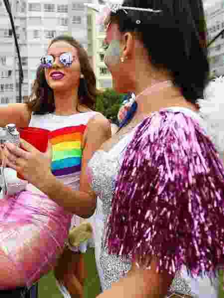 Body com arco-íris igual de Bruna Marquezine promete aparecer bastante no Carnaval - Marcelo de Jesus/UOL