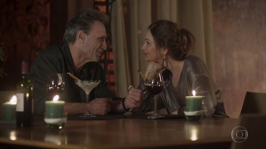 """Eva pede Gordo em casamento em """"Rock Story"""" - Reprodução/TV Globo"""