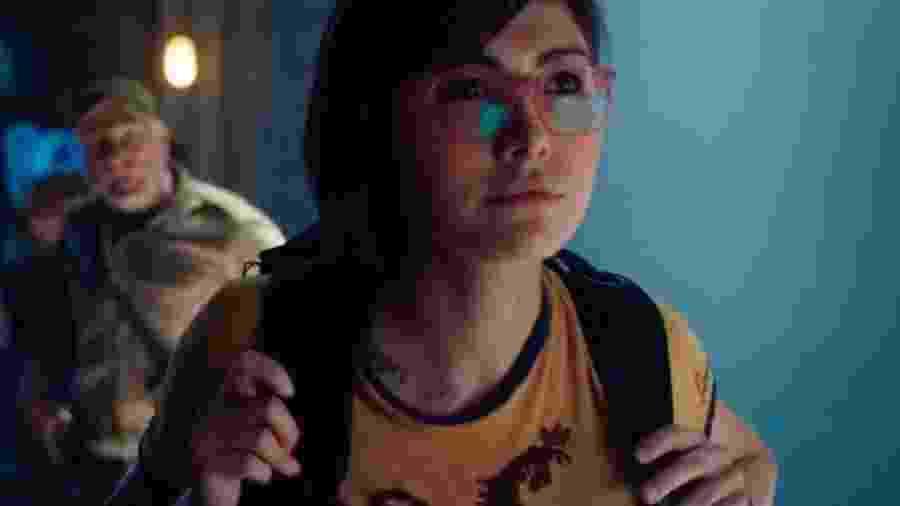 A atriz Daniella Pineda como a Dra. Zia Rodriguez - Reprodução