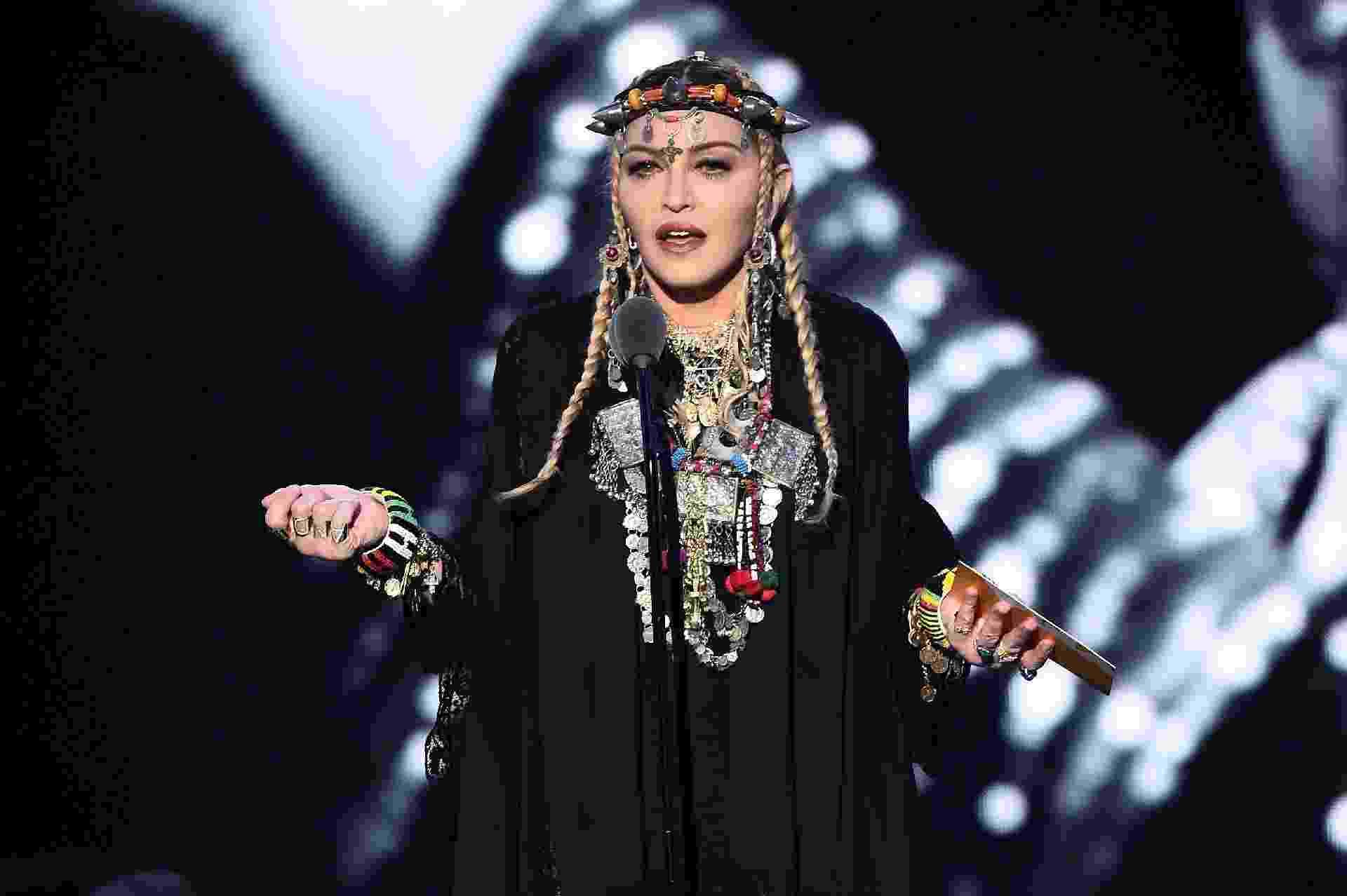 Madonna apresenta prêmio de melhor clipe do ano e faz homenagem a Aretha Franklin no VMA 2018 - Michael Loccisano/Getty Images for MTV