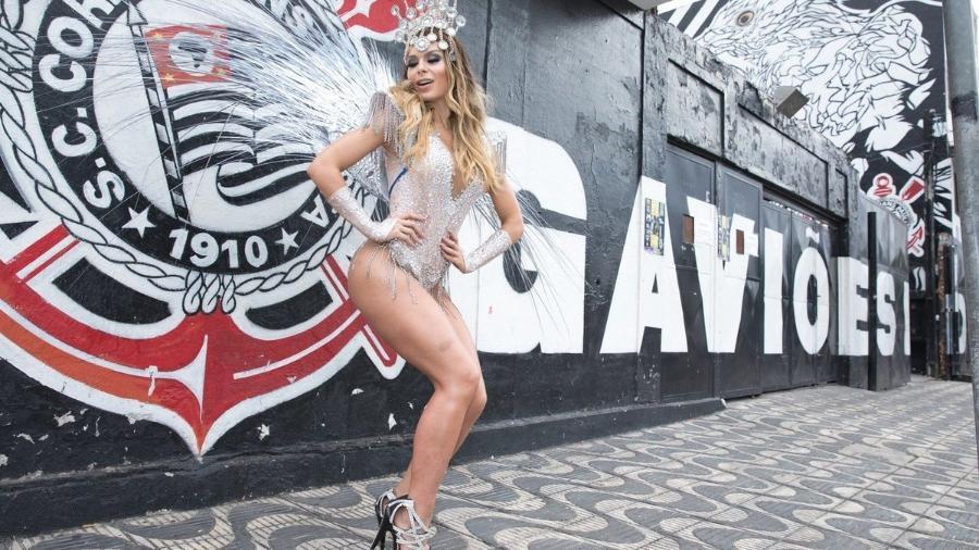 Fernanda Lacerda, ex-Mendigata, posa como musa da Gaviões da Fiel - Celso Tavares