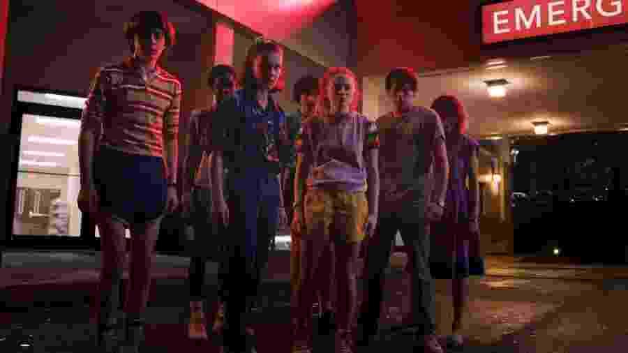 Eleven e companhia estão em apuros na terceira temporada de Stranger Things - Divulgação