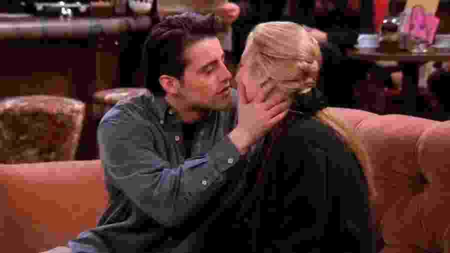O beijo de Phoebe e Joey na primeira temporada de Friends - Reprodução/Youtube