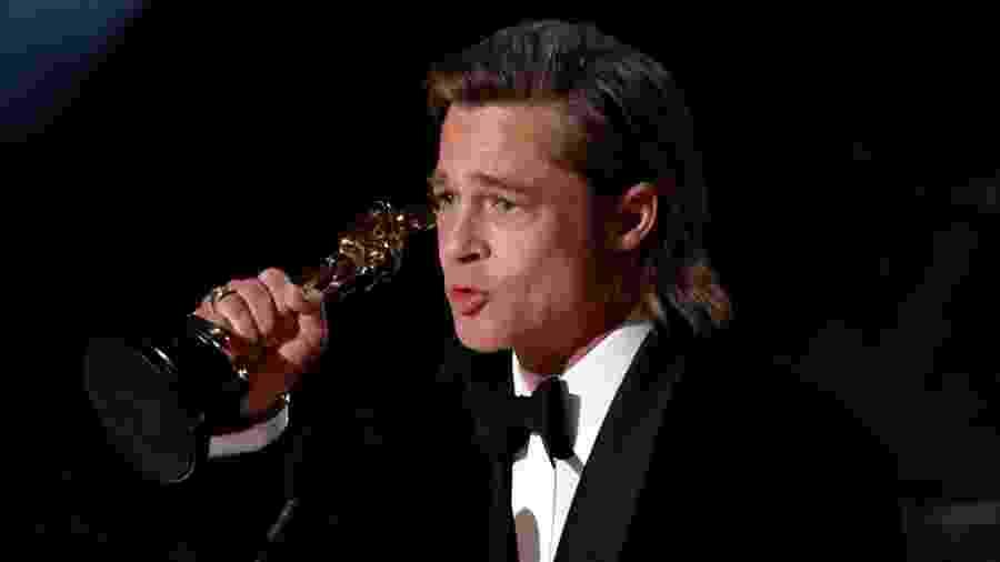"""Brad Pitt leva o Oscar de melhor ator coadjuvante por """"Era uma vez em... Hollywood"""" - REUTERS/Mario Anzuoni"""