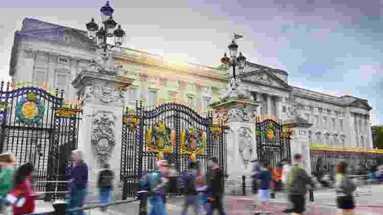Entrada do Buckingham Palace, onde Chapon trabalhou por dois anos - Debbie Fan/Unsplash