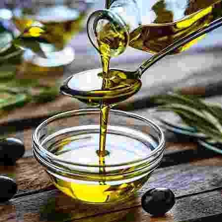 Azeite de oliva é um querido na cozinha, mas você sabe que também é cercado de mitos? - Getty Images - Getty Images